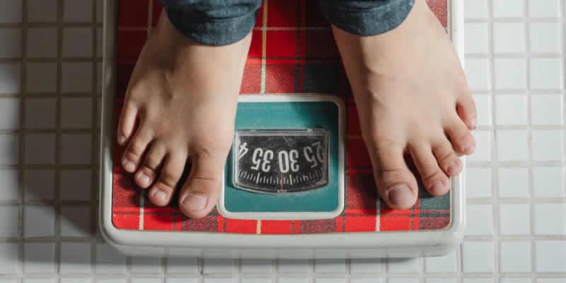 کاهش وزن خطر دیابت نوع ۲ را تقریباً نصف می کند.